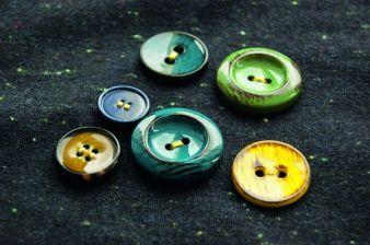 Knöpfe zwischen Tailoring und Sportswear bei Knopf und Knopf Photo: Knopf und Knopf