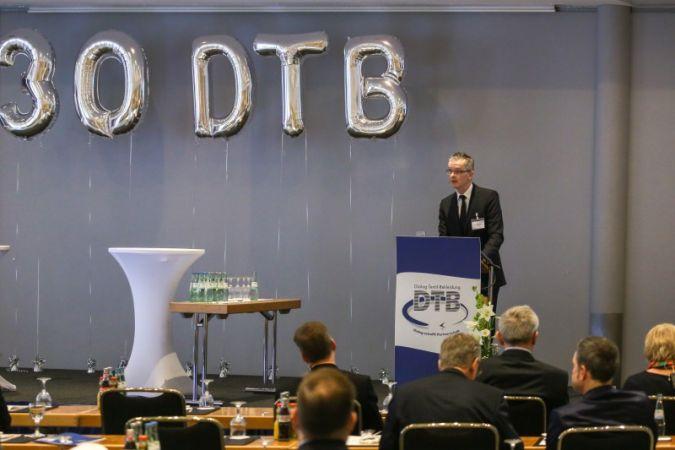 Wilfried Bäuning, bugatti GmbH und Vorstandsvorsitzender des DTB gab Einblick in die Entwicklungen der letzten 30 Jahre