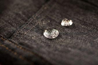 Wasserabweisende Textiltechnologien von Schoeller werden immer mehr auf Denim eingesetzt und bringen einen neuen Mix aus Fashion und Funktion