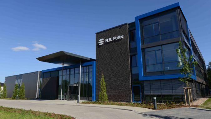 Die Lüneburg Adhesive Academy dient nicht nur der Forschung und Entwicklung, sondern auch als Schulungs- und Versuchszentrum für Kunden Photo: H....