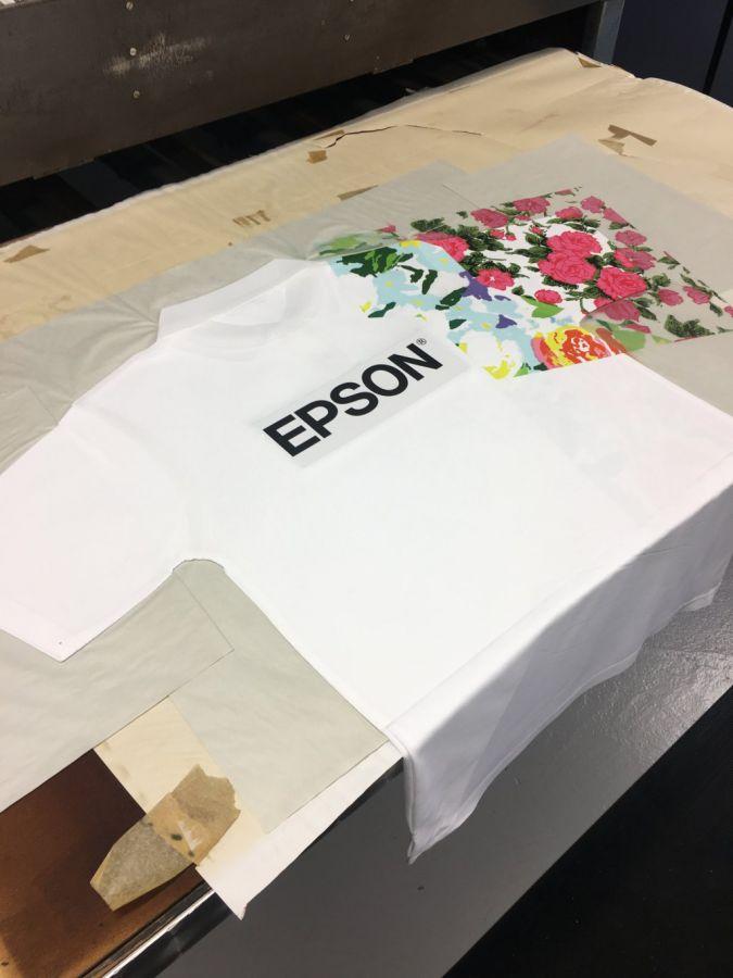 Epson-Shirt-im-Studio-des.jpg