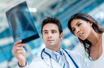 Die Aufgabenstellung: Minderung bzw. im Idealfall Ausschluss von Exposition gegenüber Röntgenstrahlung für medizinisches Personal Photos: Burlin...