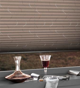 Die Collano Blackout-Folie eignet sich für Verdunklungsstoffe und zeichnet sich durch einen weichen und textilen Griff, einen hohen Weißgrad und...
