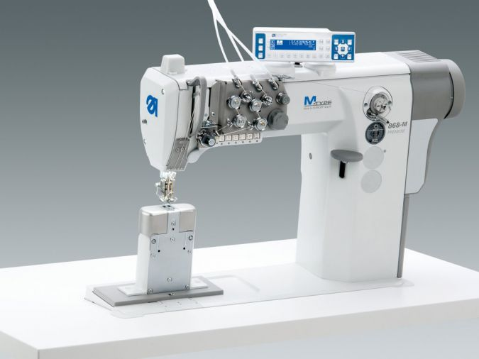 M-TYPE-PREMIUM-Naehmaschine.jpg