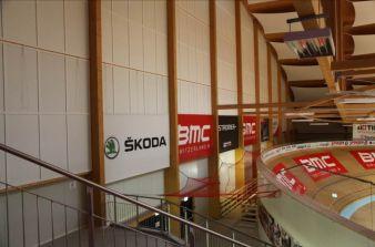 Die Multifunktionshalle, mit einer Grundfläche von 2678m², beinhaltet unter anderem die schnellste Radrennbahn Europas Photo: Sandler