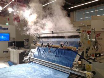 Die innovative Lösung der Bedampfung während des Legevorgangs verbessert Qualität und Produktivität bei der Verarbeitung elastischer Materialien