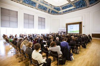 Rund 200 Teilnehmer nutzen den Außenwirtschaftstag als Plattform, um sich über wichtige Branchenthemen auszutauschen
