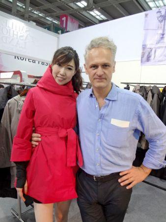 Guillaume Gaverlaux, Designer bei Urbahia. Das Model trägt eine von Gaverlaux designte Jacke