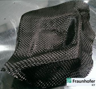 Dreidimensionale Preform eines Lampentopfs, gefertigt aus einem 12K Carbongewebe - Bild 4