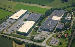 Mit dem Ausbau des Standortes Schwarzenbach  startete der Vliesstoffhersteller 2015 in ein neues Kapitel der Unternehmensgeschichte (Photo: Sandler)