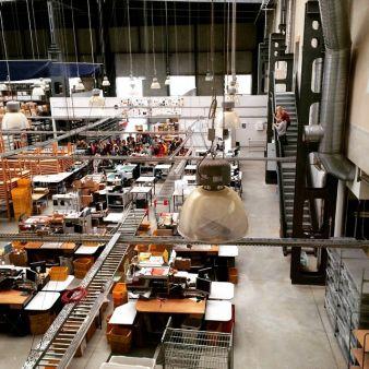 An Rekordtagen werden an den Produktionsstandorten weltweit bis zu 19.000 Bestellungen abgewickelt