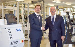 Auch weiterhin Hand in Hand: Dr. Maccabruni  und  E. Maurer (Photo: SSM)