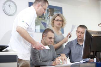 Logwin hat sein Vertriebsbüro in Kraków ausgebaut und organisiert von dort aus ab sofort auch weltweite Luft- und Seefrachttransporte Photos: Logwin