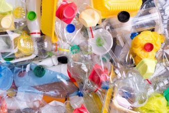 Plastikmuell-Flaschen.jpeg