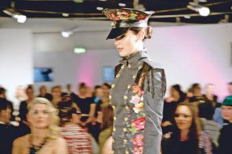 Preisträger-Design Kiova von Riia Lampinen aus Finnland. Sie belegte den 3.Platz in der Kategorie Uniform mit einer modernen, grenzenlosen, global...