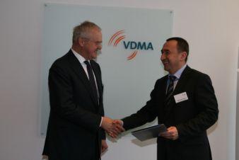 Engere Zusammenarbeit vereinbart: Fritz P. Mayer mit dem usbekischen Minister Ilkhoom Khaydarov Photo: VDMA