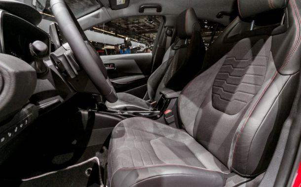 Alcantara als Ausstatter von Hybridautos