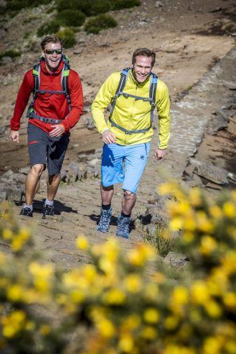 47% der Befragten packt ihren Wanderrucksack hauptsächlich, um die Schönheiten der Natur zu genießen. Für ein Viertel bedeutet Wandern vor alle...