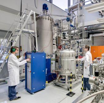Pilotanlage zur industriellen Produktion der künstlichen Spinnenseiden-Faser Biosteel