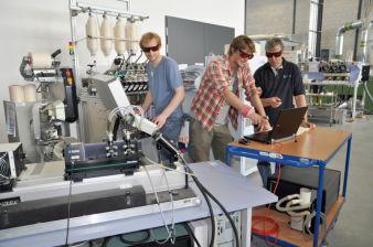 ITA-Studenten demonstrieren berührungsloses optisches Messverfahren Photo: ITA