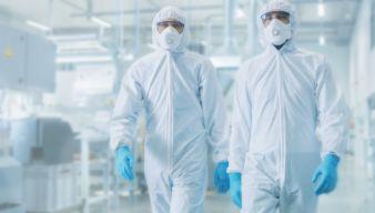 PPE-Schutzanzug-mit-Maske.jpg
