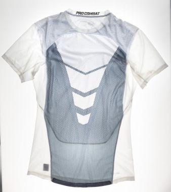 Funktionelles Sportshirt aus Wirkware von Nike