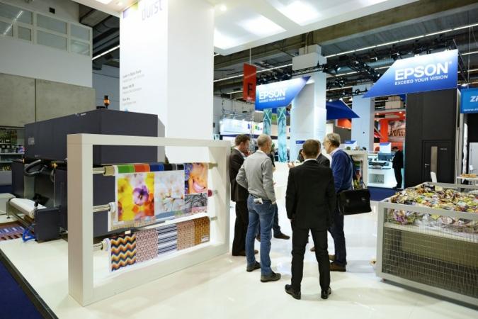 Sehr eindrucksvoll präsentieren sich die Anbieter von Textildruck-Lösungen auf der diesjährigen Heimtextil 2015 in Frankfurt Photos: Heimtextil