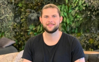 Nico-Bitzer-CEO-von-Bots-and.jpg