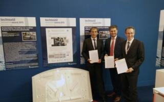 Hans-Rochus Groß, Emil Stutznäcker GmbH & Co.KG mit Mesut Cetin und Josef Klingele, ITA (v. l.) Photo: ITA