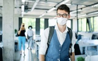 Sanitized-Maske.jpg