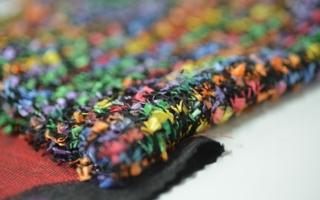 Rund 580 nationale und internationale Bekleidungshersteller werden ihre neuesten Kollektionen in Shenzen präsentieren - auch Anbieter  von Strick,...