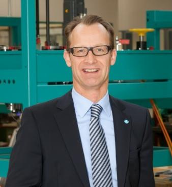 Seit 2002 Chef des Familienbetriebes: Dr. Janpeter Horn Photos: Herzog Maschinenfabrik