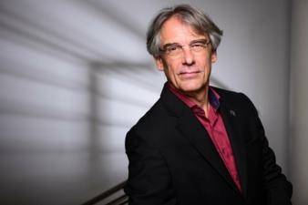 Prof-Dr-Robert-Off.jpg