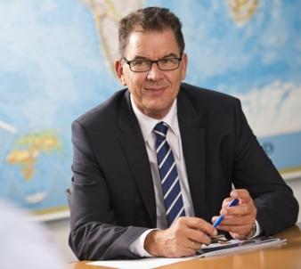 Dr-Gerd-Mueller.jpg