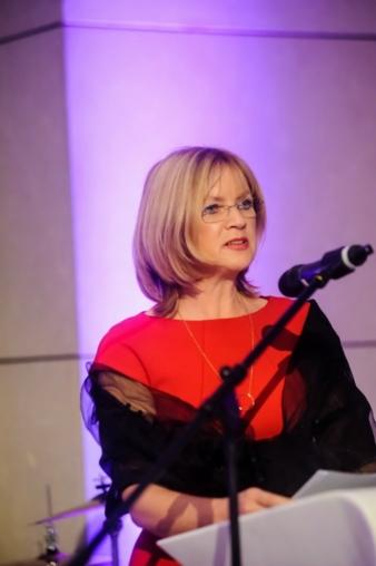 Friederike Plock-Girmann leitet bei der VOLKSWAGEN AG die Abteilung Lifestyle & Performance.  Im Gespräch mit dem VDMD erläutert sie, warum das T...
