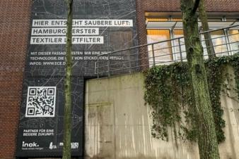 Erste-Anti-NOX-Textilfassade.jpg