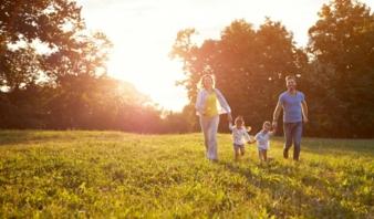 CHT-Familie-Kleidung-Natur.jpg