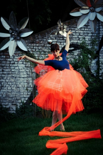 Mode der Zukunft? Das LED-Ballkleid des Modelabels Elektro Couture Photo: Zoë Noble für ElektroCouture