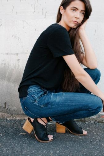 Mit der lastingfit Technologie der Marke Lycra hergestellte Jeans sind eine modische und komfortable Option für die jüngsten Boyfriend-Silhouette...