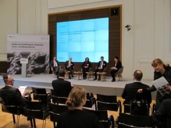 Impressionen: Forum 1 - Handelspolitik der EU / Moderation Dr. Ursula Weidenfeld, Journalistin