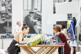 Die VIEW ermöglicht mit ihrer konzentrierten Arbeitsatmosphäre den wichtigen und intensiven Austausch von Industrie und Marken, der für die Entw...