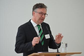 Prof-Dr-Ing-Uwe-Clausen.jpg
