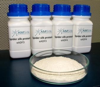 Pulverförmiges Rohmaterial von der AMSilk GmbH