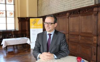 Dr. Christian P. Schindler